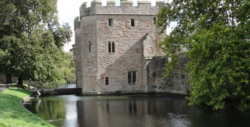 Gatehouse,_Bishop's_Palace,_Wells