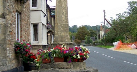 Village_cross,_Croscombe_-_geograph.org.uk_-_1503803